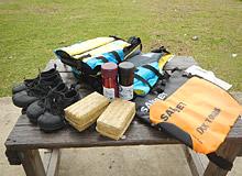 無料レンタル用品:サワーシューズ・ライフジャケット・防水バッグ